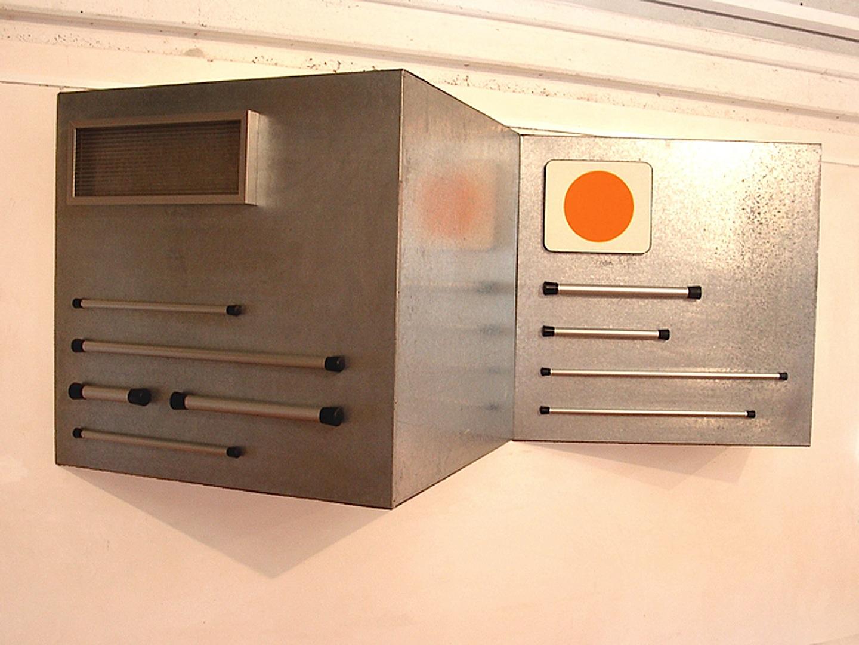 Banco 1 e 2 (allarme-lacrime), Metales, plastico -1990-