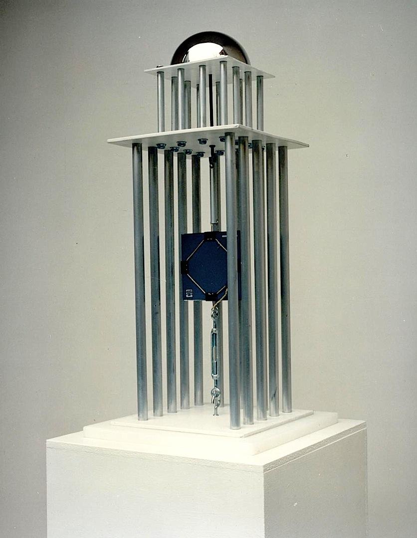 Assoluto, Metales, plásticos, espejos cm. 59 x 27 x 27 -1991-