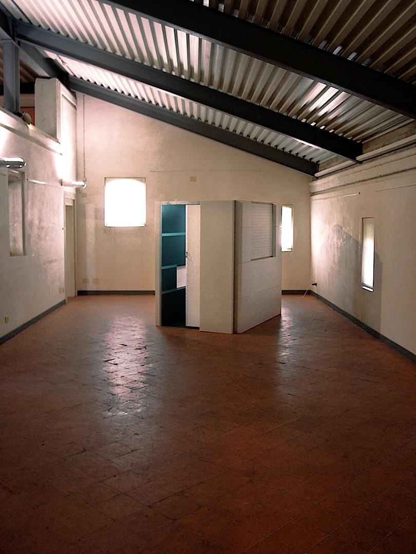 Stasi (bunker del pensiero), mixed media, cm. 191,5 x1 40,5 x 198,5 -2002-